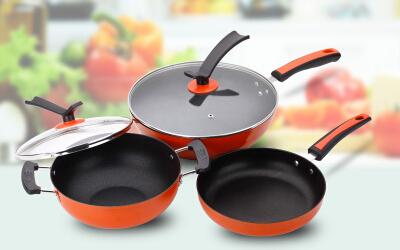 厨房三件套锅具